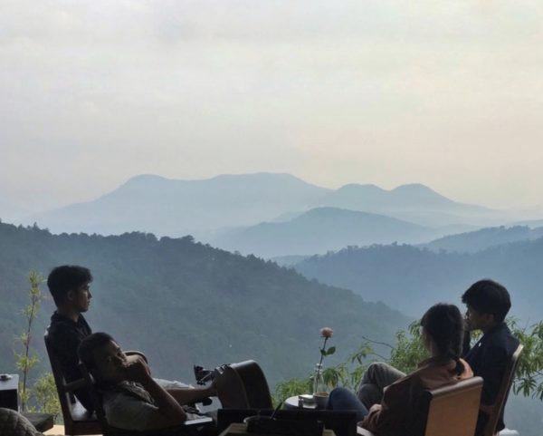Chia sẻ kinh nghiệm đi Đà Lạt một mình 3 ngày 2 đêm chỉ với 1 triệu 2 - Tiệm café cheo veo: lãng mạn, yên bình