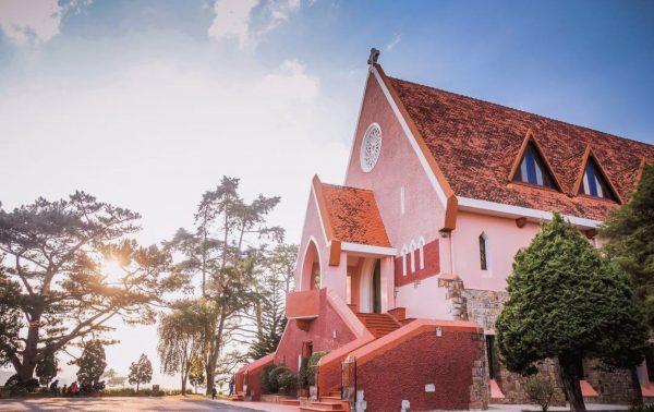 Chia sẻ kinh nghiệm đi Đà Lạt một mình 3 ngày 2 đêm chỉ với 1 triệu 2 - nhà thờ Domain de Marie