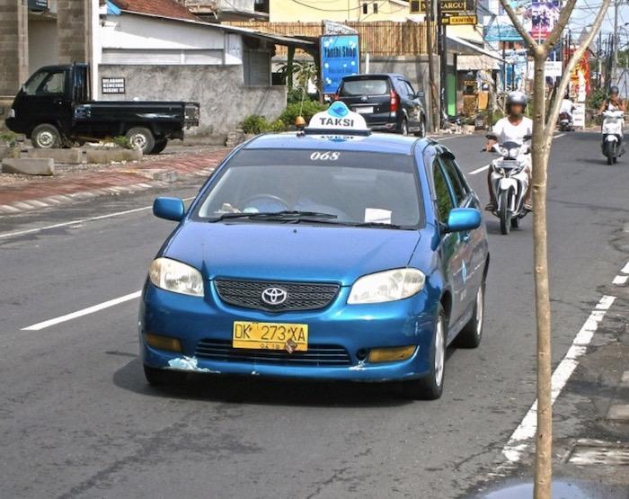 Thuê xe 4 chỗ khi du lịch Bali tự túc - Chia sẻ kinh nghiệm du lịch Bali tự túc 7 ngày 6 đêm chi tiết