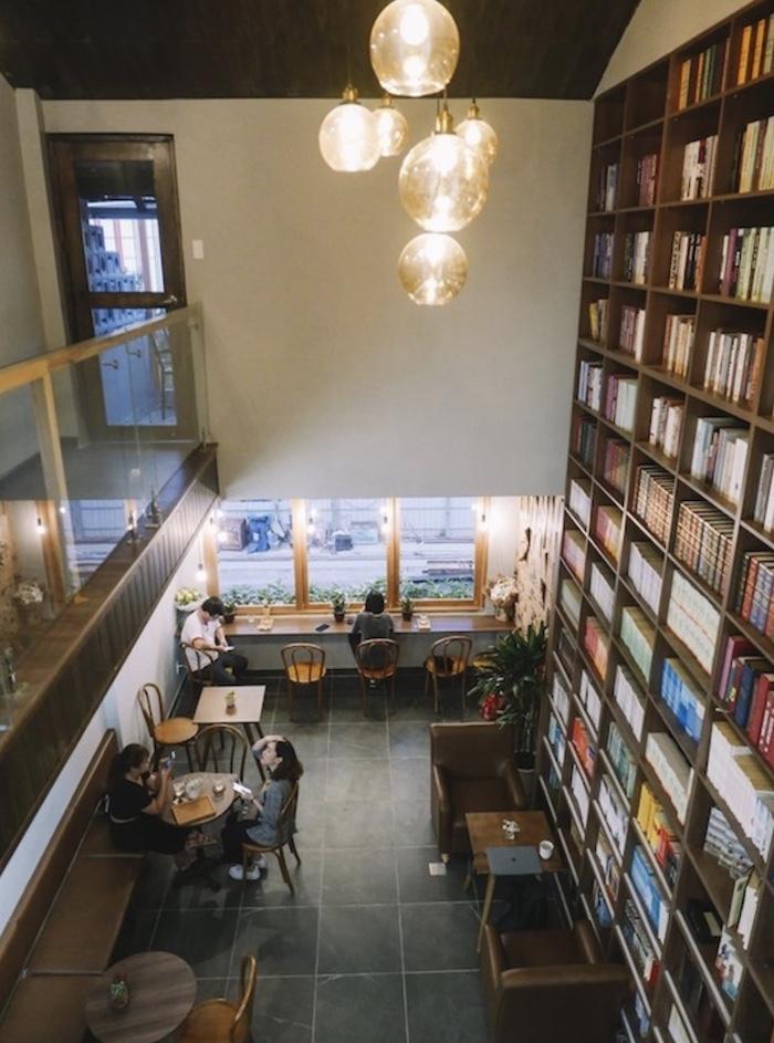 Bản Cà Phê - Quán Cafe ở quận 1 yên bình trên khu nhà tập thể