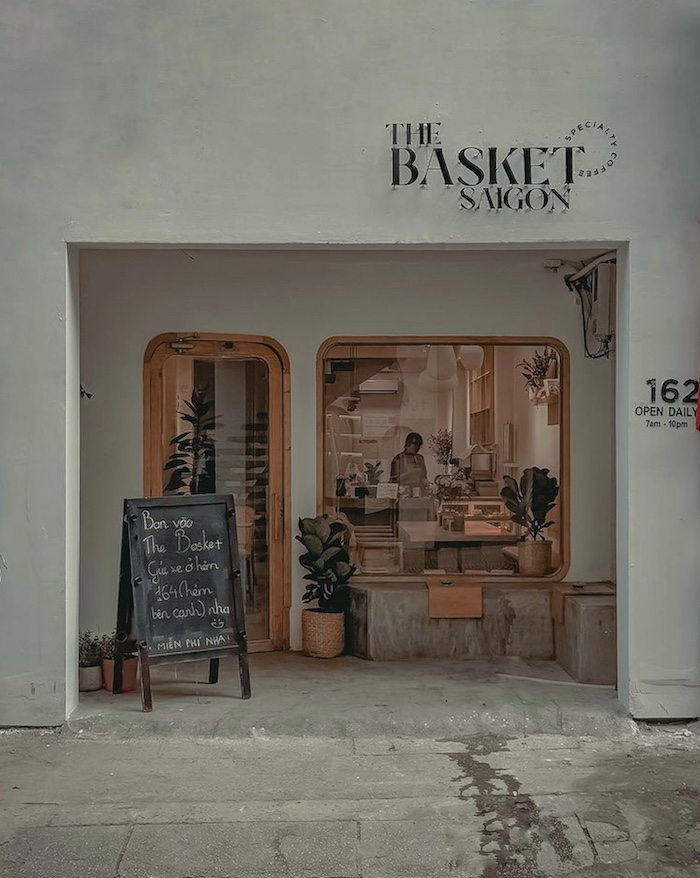The Basket Saigon - Chiếc cafe ở quận 1 nhỏ nhắn xinh xắn trên đường Nguyễn Văn Thủ