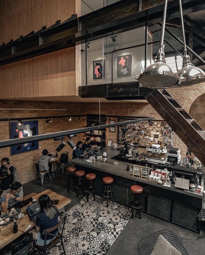 TOP 10+ quán cafe đẹp, chất lượng ở Quận 1 - The Hummingbird Cafe Saigon - 2