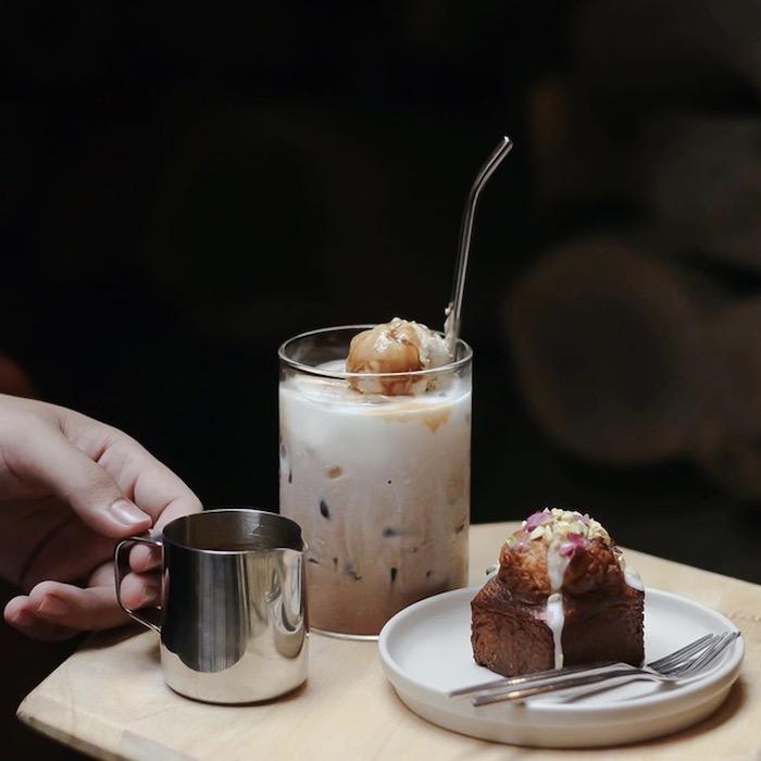 TOP 10+ quán cafe đẹp, chất lượng ở Quận 1 - The Hummingbird Cafe Saigon - 4