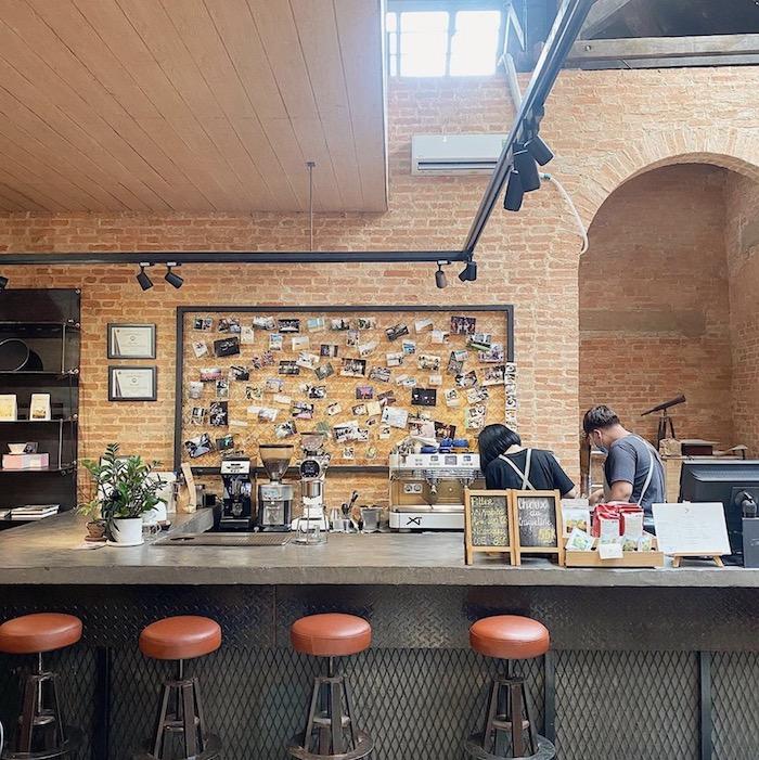 TOP 10+ quán cafe đẹp, chất lượng ở Quận 1 - The Hummingbird Cafe Saigon - 7