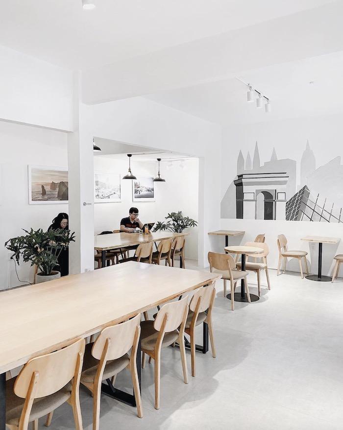 Full House Café - Quán cafe ở quận 3 phù hợp cho nhu cầu học tập & làm việc 2