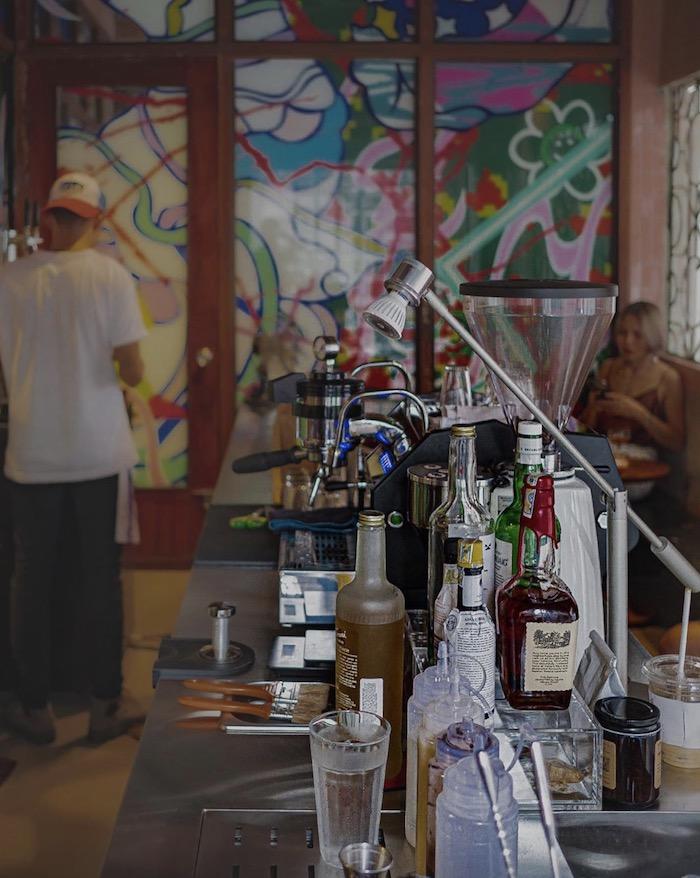 MA Thỏ - Quán cafe ở quận 3 sáng bán cà phê, chiều tối bán cocktail 3