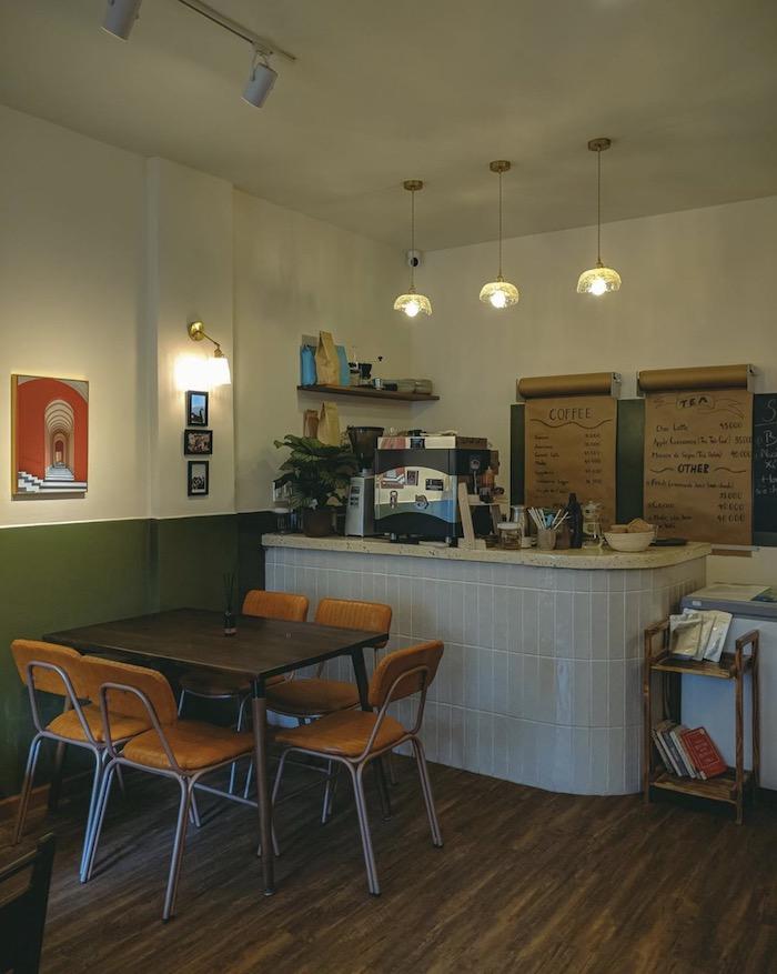 Ti Tê Cafe - Quán cafe ở quận 1 decor theo phong cách retro cổ điển 3