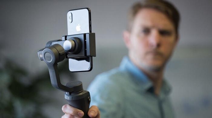 Gimbal ở đây được cho là một thiết bị có khả năng cân bằng, chống rung lắc cho những chiếc smartphone