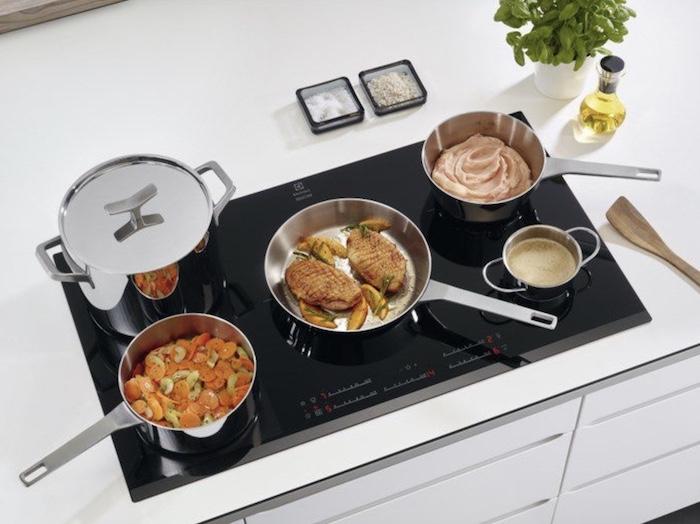 Bếp điện từ nhiều lò nấu tiết kiệm thời gian