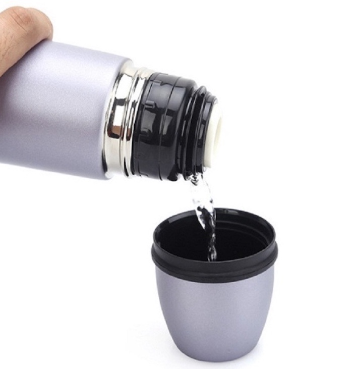 Dùng bình giữ nhiệt giúp lưu giữ mức nhiệt độ của thức uống hiệu quả