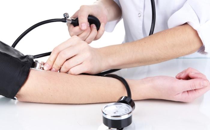 Hướng dẫn sử dụng máy đo huyết áp một cách an toàn