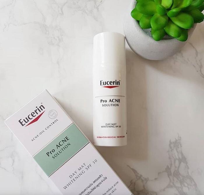 Kem chống nắng cho da mụn eucerin pro acne solution
