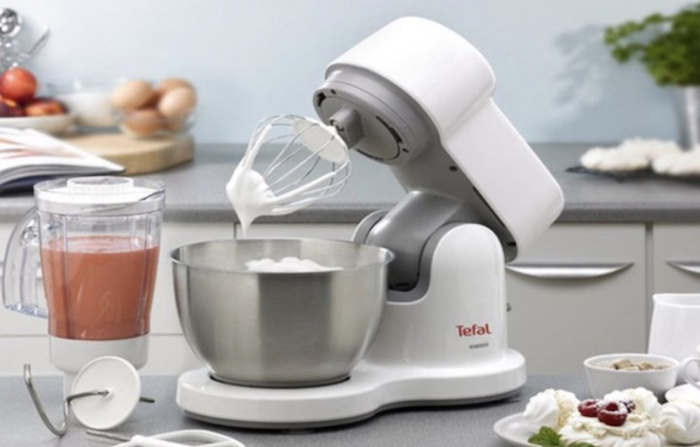 ếu bạn yêu thích làm bánh thì không thể thiếu máy đánh trứng để bàn được