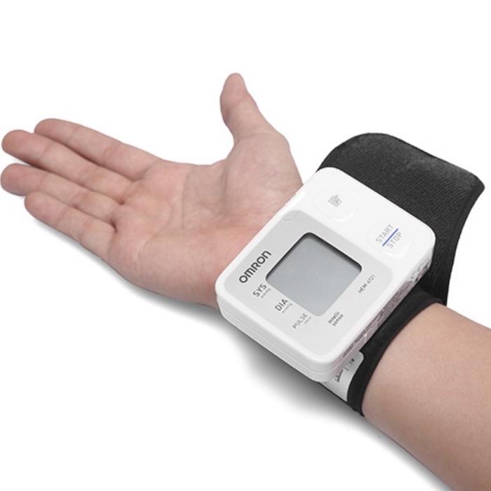 Máy đo huyết áp tự động cổ tay