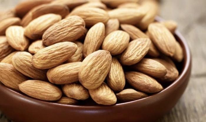 TOP 2 thực phẩm giàu vitamin E - Hạt hạnh nhân