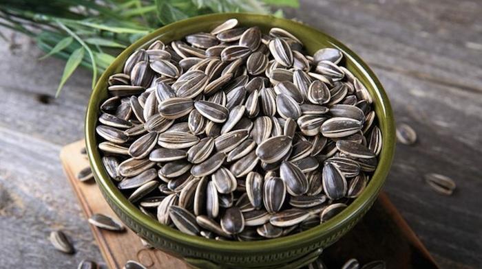 TOP 1 thực phẩm giàu vitamin E - Hạt hướng dương