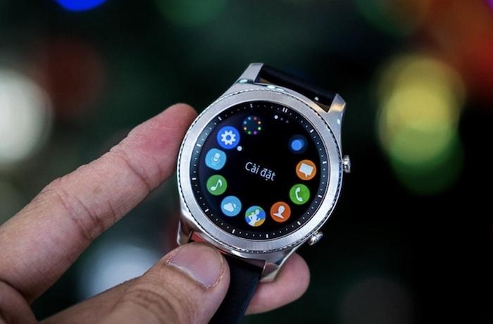 Đồng hồ Samsung Gear S3 Classic có thiết kế sang trọng, tiến bộ vượt bậc so với phiên bản trước