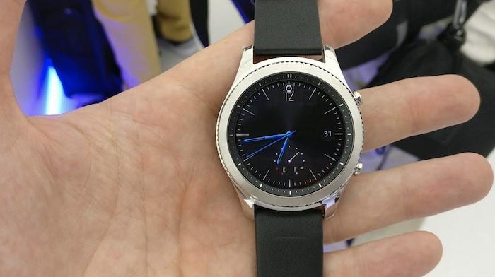 Màn hình đồng hồ Samsung Gear S3 Classic rất là chất lượng
