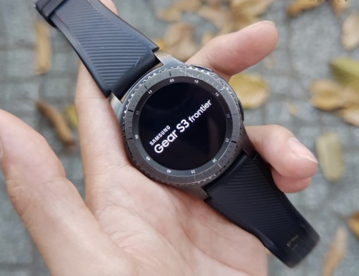 Thời lượng Pin của Samsung Gear S3 Frontier ở mức tạm chấp nhận được