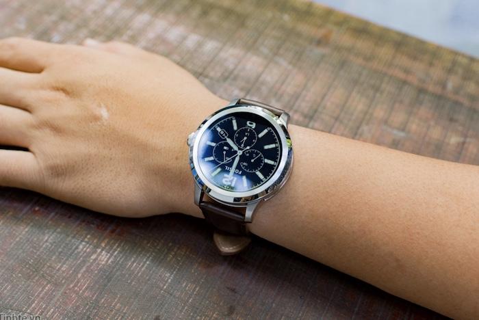 Đồng hồ thông minh Fossil Q Founder có thiết kế đẹp mắt và sang trọng