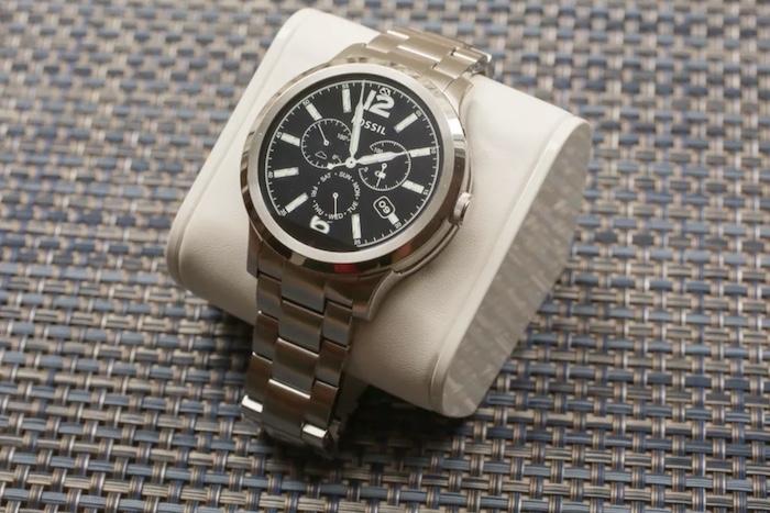 Thời lượng Pin Smartwatch Fossil Q Founder có thể chấp nhận được
