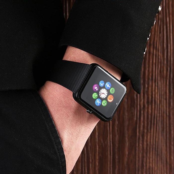 Thiết kế của đồng hồ thông minh GT08 mình đánh giá khá nam tinh và khỏe khoắn
