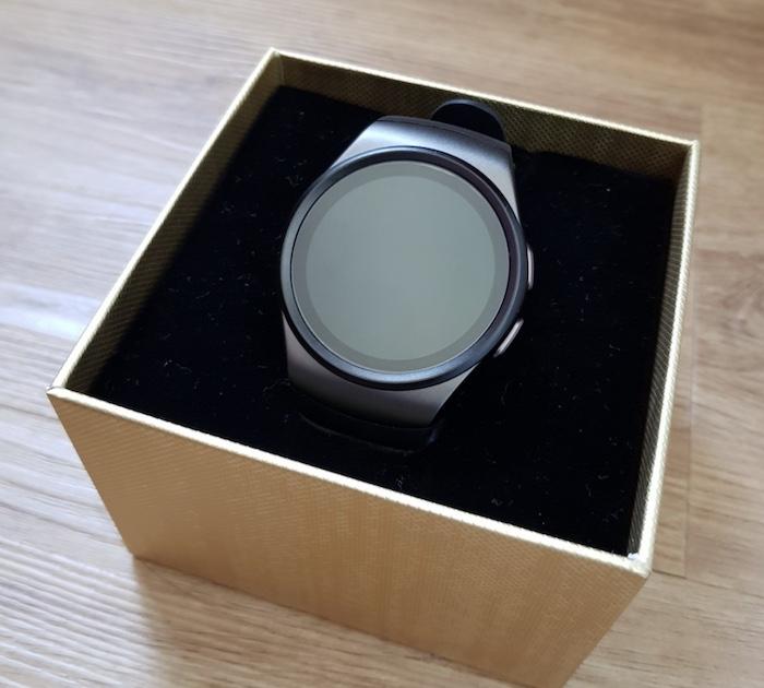 Smartwatch Kingwear KW18 có thiết kế đơn giản nhưng vẫn đem lại cảm giác sang trọng cho người đeo