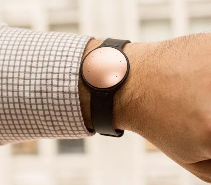 Đồng hồ thông minh Misfit Shine 2 có rất nhiều tính năng thú vị mà bạn không thể bỏ lỡ