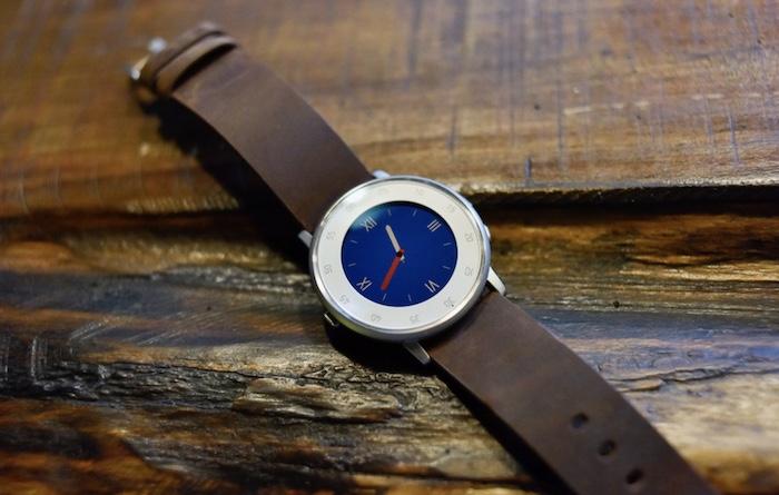 Thiết kế đồng hồ thông minhPebble Time Round mang lại vẻ đẹp sang trọng, tinh tế