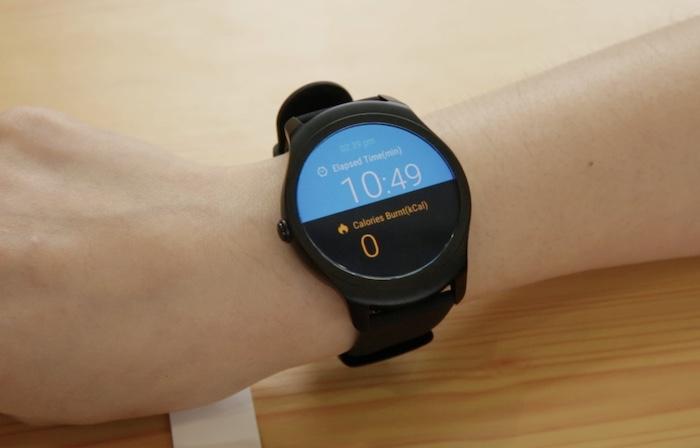 Smartwatch Ticwatch 1 được trang bị cấu hình khá mạnh và nhiều tính năng cao cấp