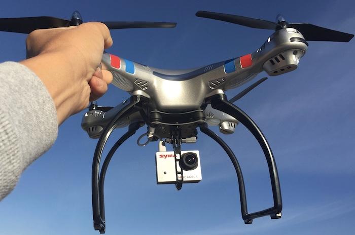 Flycam Syma X8G một vẻ ngoài hầm hố và cứng cáp với chất liệu nhựa cao cấp Abs