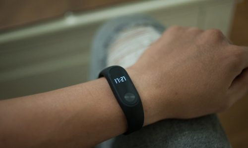 Review, đánh giá Xiaomi Mi Band 2 chi tiết: Theo dõi sức khỏe một cách dễ dàng hơn