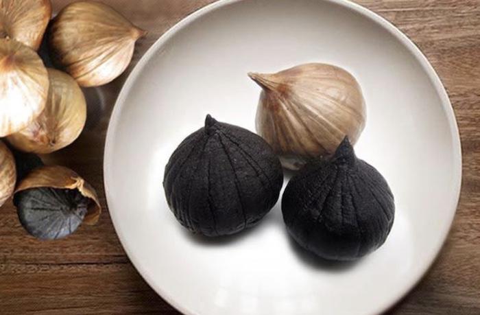 Tỏi đen có giá trị dinh dưỡng cao hơn hẳn so với tỏi tươi và được coi là thần dược với cơ thể con người